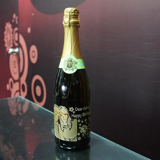 香檳酒瓶雕刻180度寫實照片